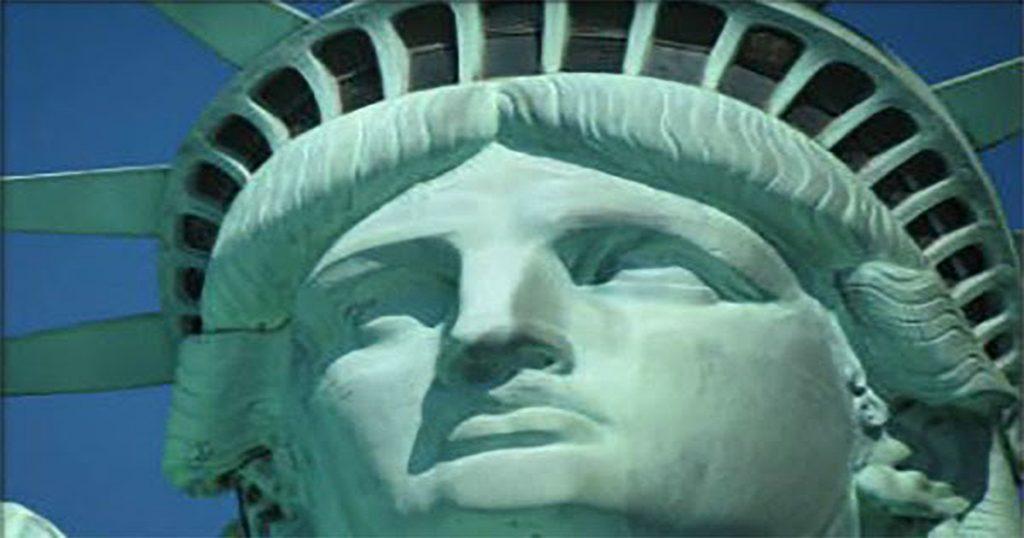 drones-faa-statue-liberty