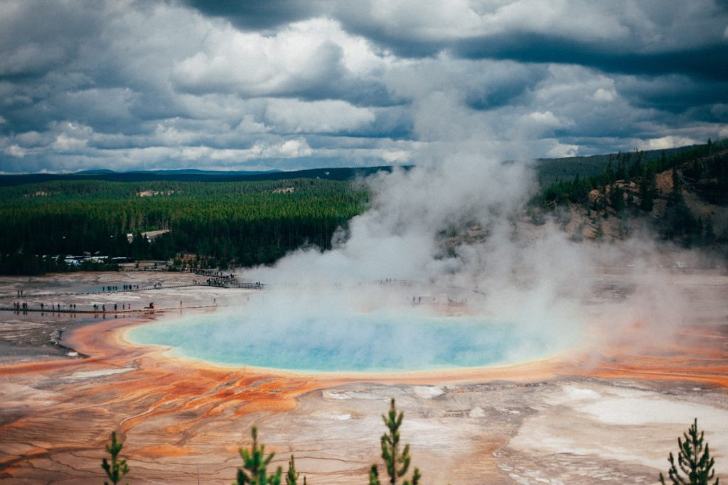 grand-prismatic-yellowstone