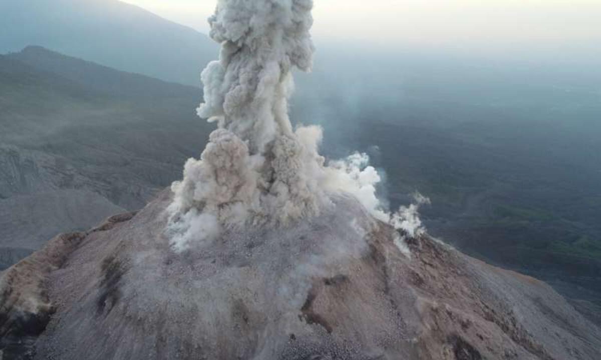 drones-volcanoes.jpg