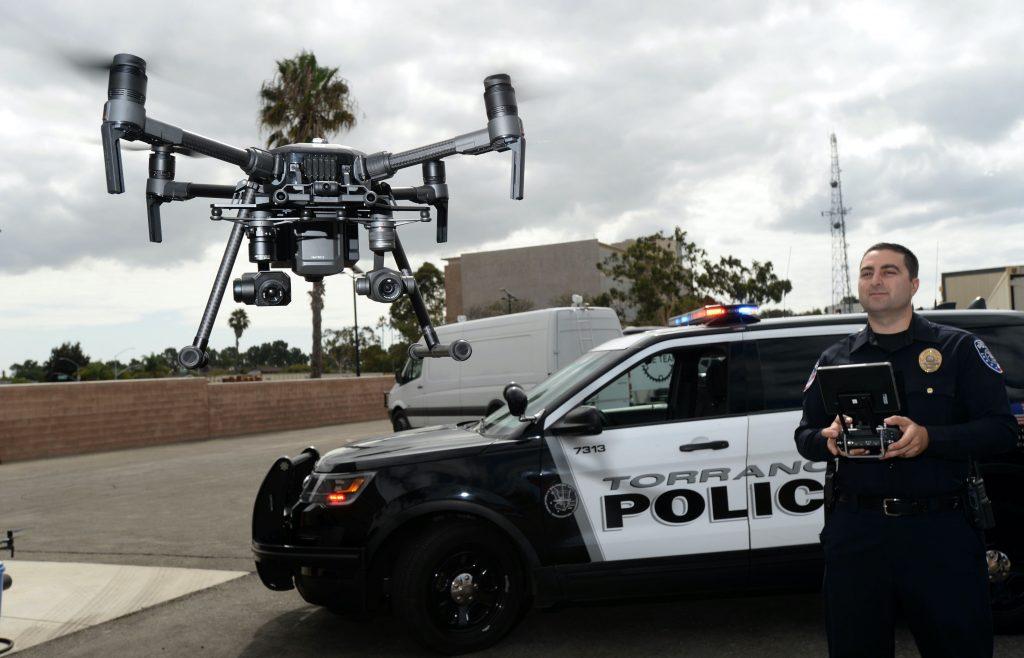 Police Officer flies DJI M210